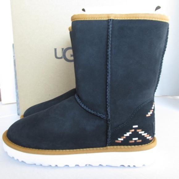 64872185d92 Ugg Boots Classic Short Rustic Weave Aztec SZ 5